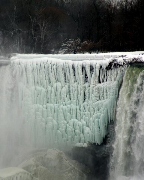 Rock Climbing Photo: Naigara Falls Frozen