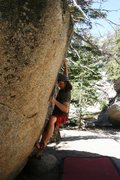 Rock Climbing Photo: Crimping on the small hold.