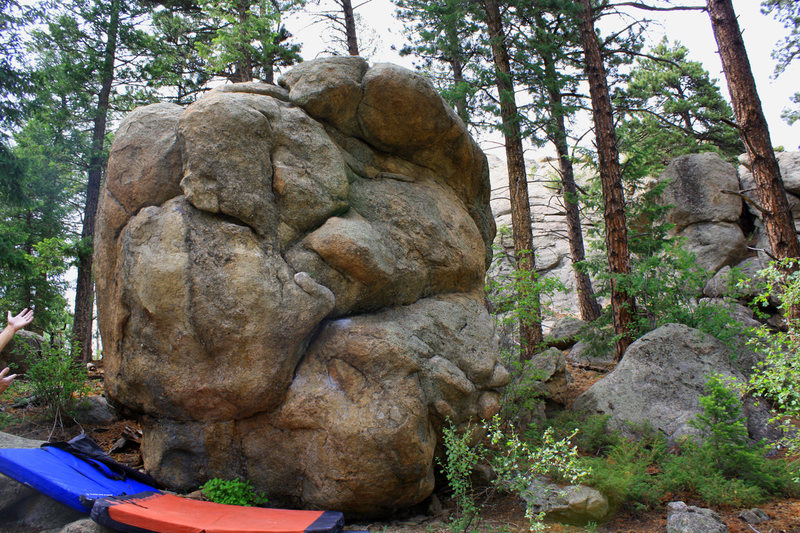Rock Climbing Photo: Unknown boulder... I'm calling it The Schooner for...