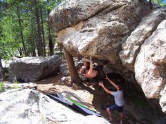 "Rock Climbing Photo: On ""The Cheat"" @ Old Baldy.  Great probl..."