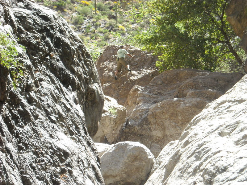 beautiful area to boulder-Al on caveview-VO.
