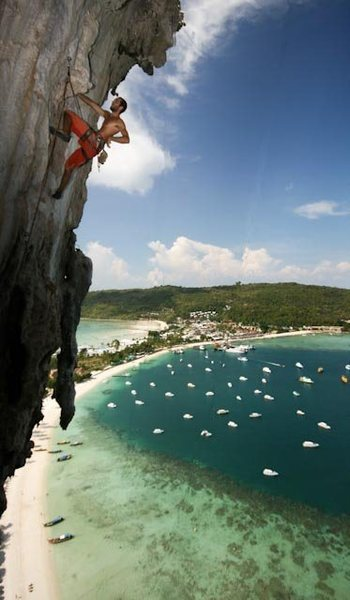 """Rock Climbing Photo: Ryan on the 5th and best pitch of """"Rev de Phi..."""