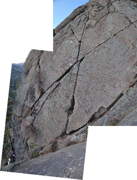The long diagonal crack.
