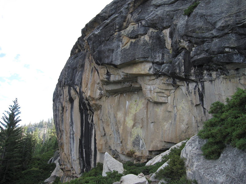 Rock Climbing Photo: The overhanging east face of Aerie Dome.