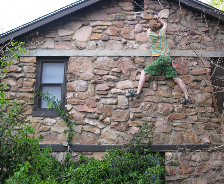 Rock Climbing Photo: Crux of the traverse of my House, Boulder, Colorad...
