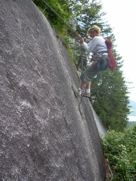 Rock Climbing Photo: Negotiating the chain on the approach