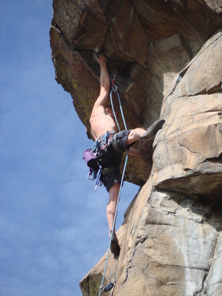 Rock Climbing Photo: Mid-crux.