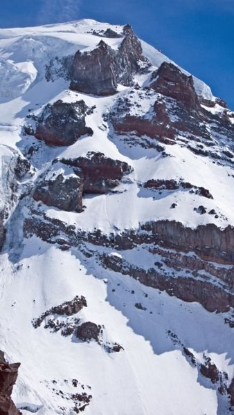 Closer up view of the route. The snow slope(hourglass) leading up to the buttress and both the right and left hand variations starting at the base of this buttress at 11,500ft are visible.