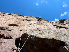 Rock Climbing Photo: Leading up the first half of pitch 2 of Aerial Bou...