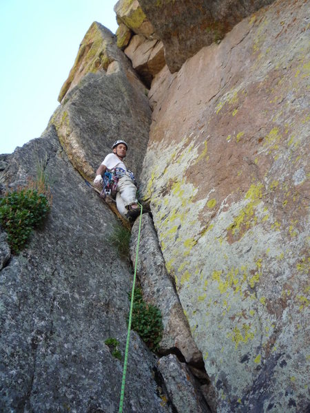 Rock Climbing Photo: Starting the exquisite chimney pitch.