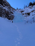 Rock Climbing Photo: Ice above the pillar pitch, on the way to the summ...
