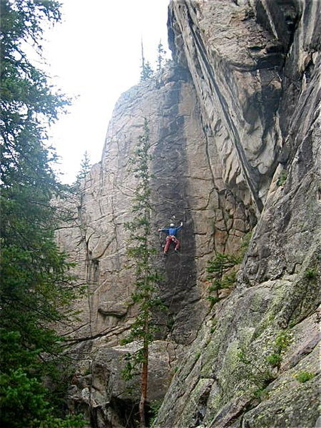 Rock Climbing Photo: Moving right after the initial crux.