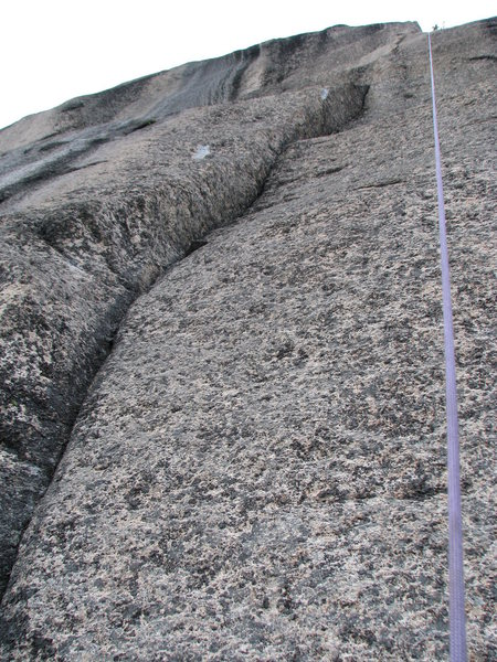 Rock Climbing Photo: Looking up the second pitch, prescrubbing, destort...