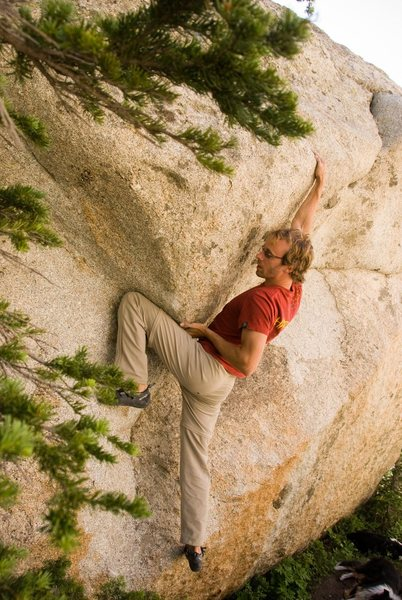Rock Climbing Photo: Feature presention, v3, west end.