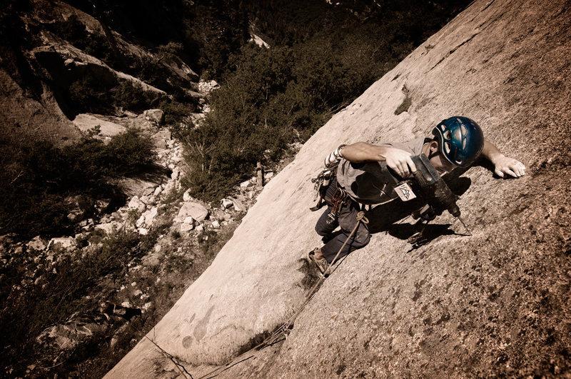 Rock Climbing Photo: Ian Nielson drilling on lead in Little Cottonwood ...