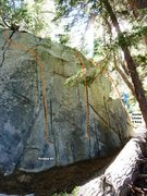 Rock Climbing Photo: Horseshoe Slabs Boulder, North Face Right Topo