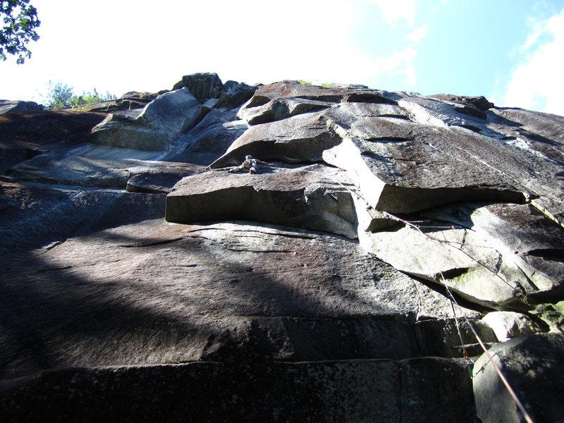 Rock Climbing Photo: The traverse has good feet.  #4 friends work.  As ...