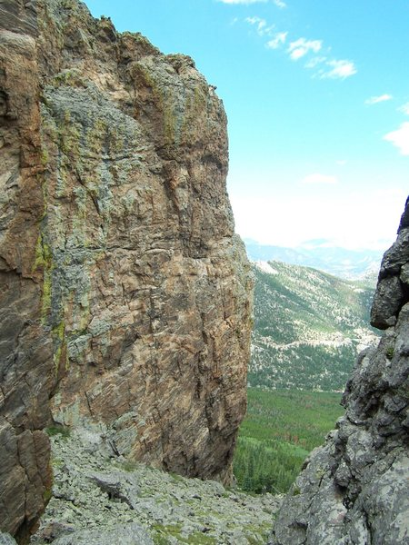 The slightly overhanging north face of Rib Rock.