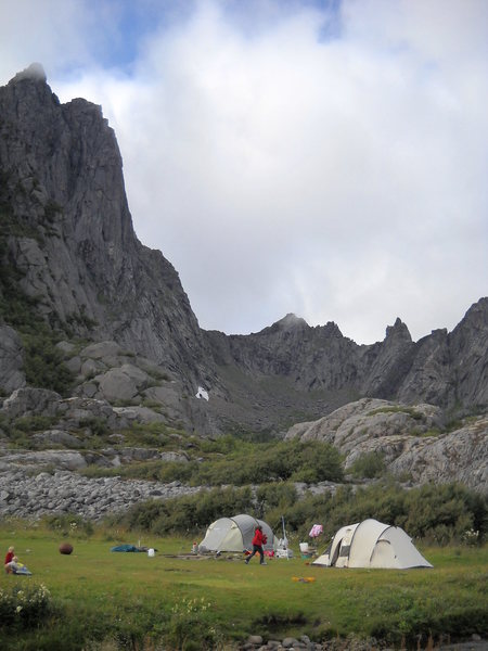 Rock Climbing Photo: Free camping at Kalle with Storpillaren and Alkoho...