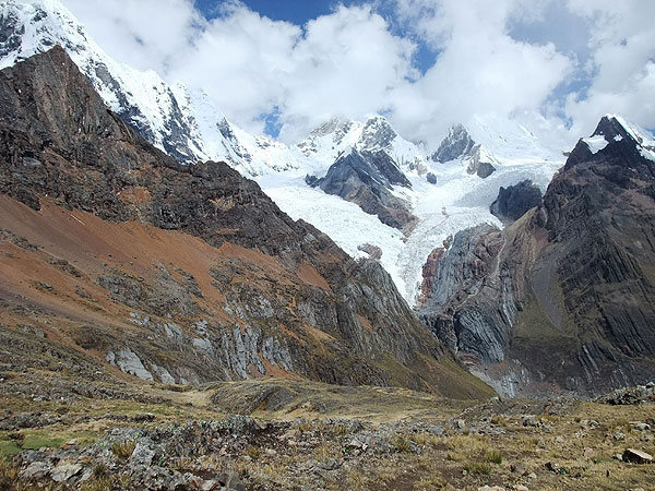 Rock Climbing Photo: Cordillera Huayhuash (Peru): heading down toward t...