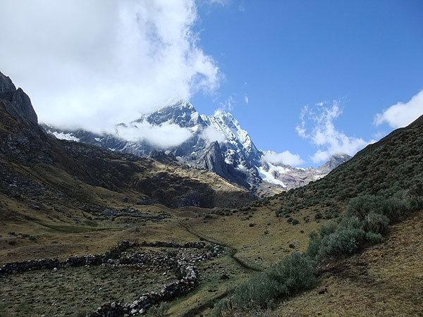 Cordillera Huayhuash (Peru): heading out from Rondoy