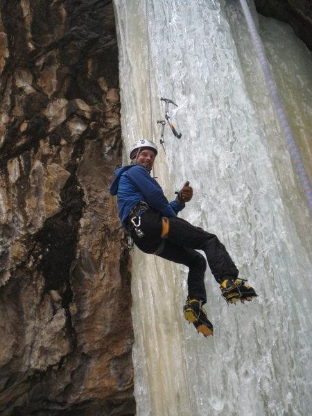 Rock Climbing Photo: Patrick Grace smiling on TR, Taos NM.  Winter 2008...