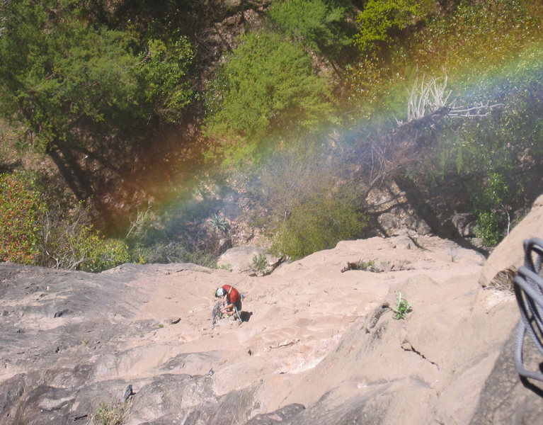 Rainbow on the top of the first pitch, Subiendo el Arcoiris