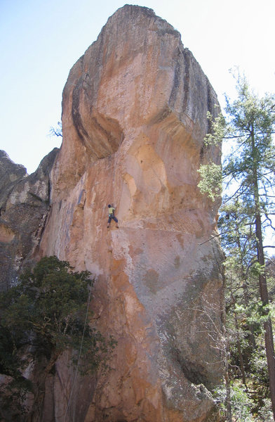 Rock Climbing Photo: Peter Baumeister bolting Basa Gold, Basaseachic