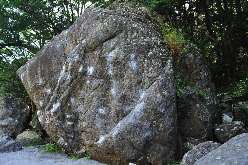 The rt side of the Ninja boulder