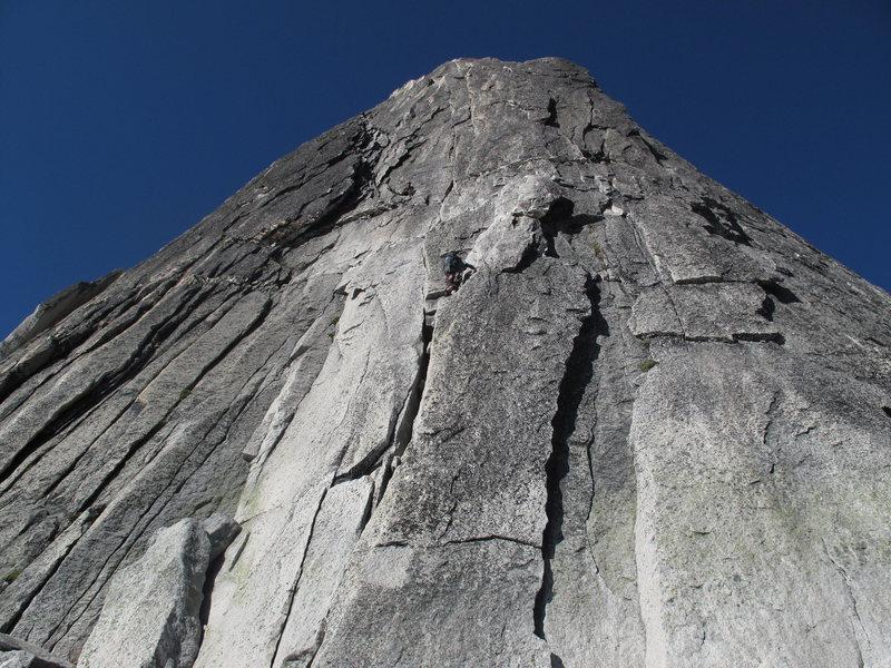 Rock Climbing Photo: looking up @ the NE Ridge of Bugaboo