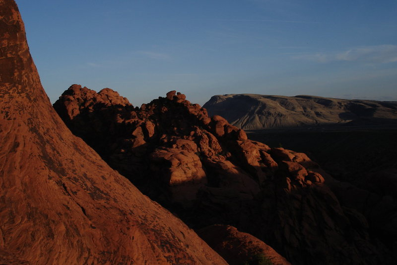 Rock Climbing Photo: first pullout area at sunset as viewed from the Pa...