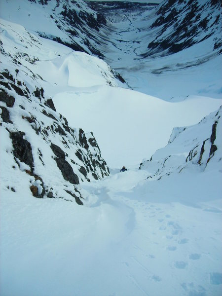 Looking down from the col. You can see what a terrain trap the approach is.