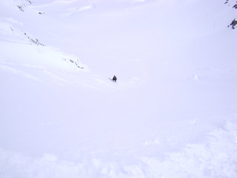Skiing the headwall