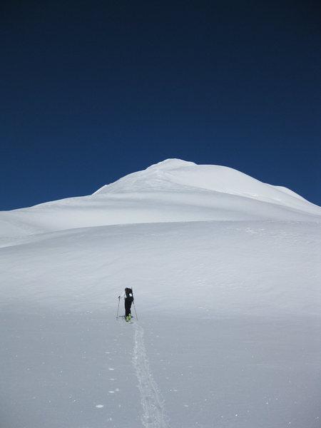 Approaching the Saddle that link to Eldorado Peak