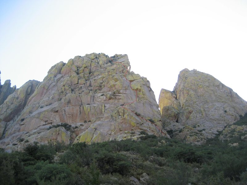 Rock Climbing Photo: West Face Corner route marked in red. Boyer's Chut...