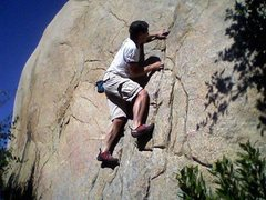 Rock Climbing Photo: 395 boulder.  Fun boulder 10 feet from the road.