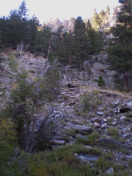 Rock Climbing Photo: The approach starts a bit to the right, heads up t...