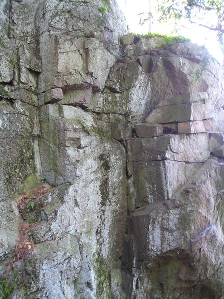 Rock Climbing Photo: Inside of gully, 2 bolted routes, 5.10B  and 5.11 ...