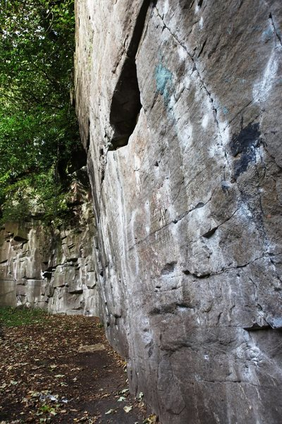 Rock Climbing Photo: The gentle overhang face at Wolfcrag
