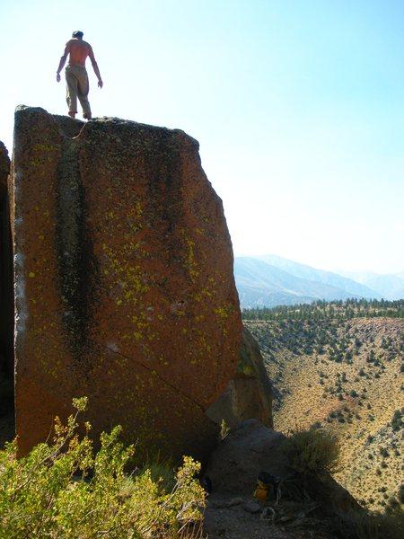 Rock Climbing Photo: Catacombs, Gigantor Boulder