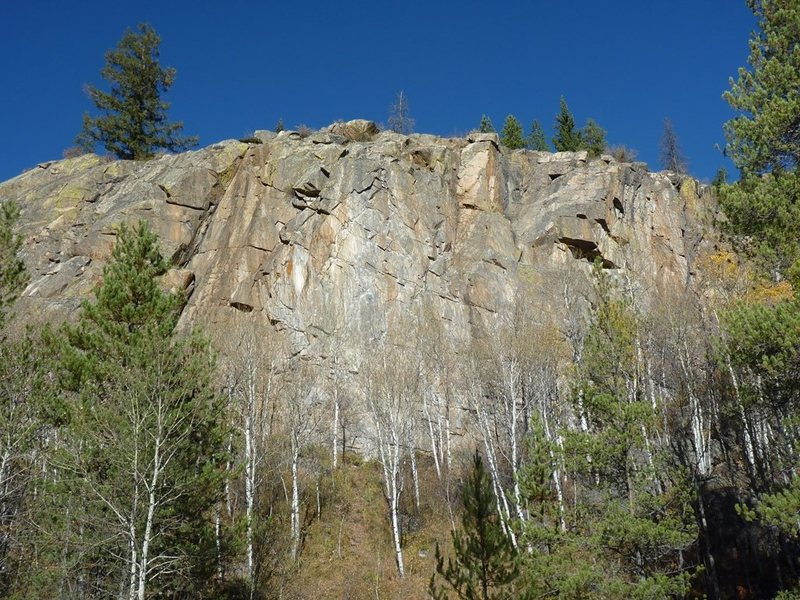 View of the Homestake Cliff from the parking on the road.