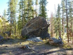 Rock Climbing Photo: Fun boulder just east of the Homestake cliff in th...
