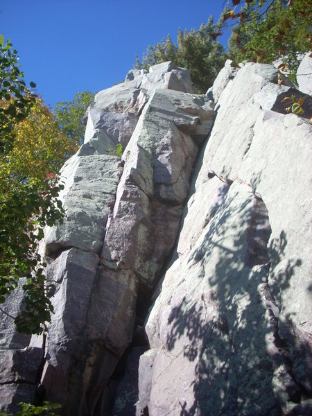 &quot;Family Jewels&quot; starts in the lower left hand corner of the pic, then step right.<br> <br> &quot;Gravel Pit&quot; goes up the prominent dihedral.<br> <br> &quot;Mary's Face&quot; starts on the face right of &quot;Gravel Pit&quot;<br> <br> &quot;Foliage&quot; is the left slanting crack.