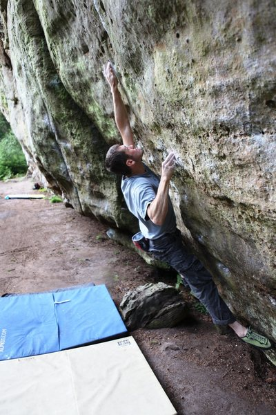 Jonny making the powerful locks on Hitchhiker's Direct V10.