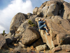 Rock Climbing Photo: Dancing Hoss V1 Log Cabin Boulders. Esmeralda Co. ...