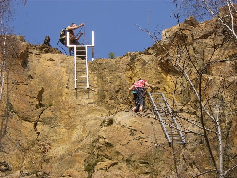 Rock Climbing Photo: Kletterstieg connecting levels of climbing