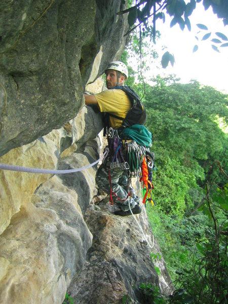 Leading the traverse above La Ceiba.
