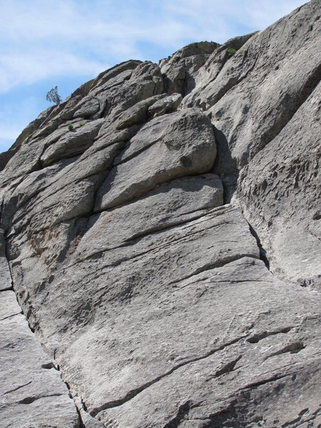 Rock Climbing Photo: Upper portion of route, trends towards notch on sk...