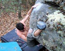 Rock Climbing Photo: Steve on Black Oak (v6) on the Acorn Boulder, Drop...