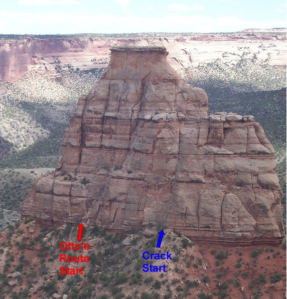 Pic shows climb in relationship to Otto's Route start.  Climb goes straight up the long crack above the blue arrow until it joins the huge ledge on the right side of the time tunnel.  Photo credit:  tirzahyael at good-times.webshots.com
